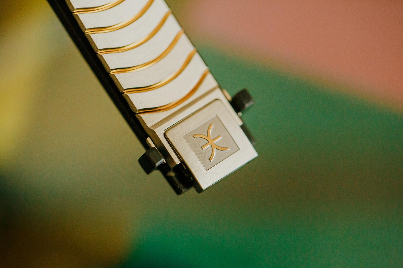 2I7B3424-sophie-narses-photographe-annecy-haute-savoie-book-shooting-portrait-geneve-entreprise-suisse-corporate-bijoux-montres-ebel-photo-créateur-beauté-luxe