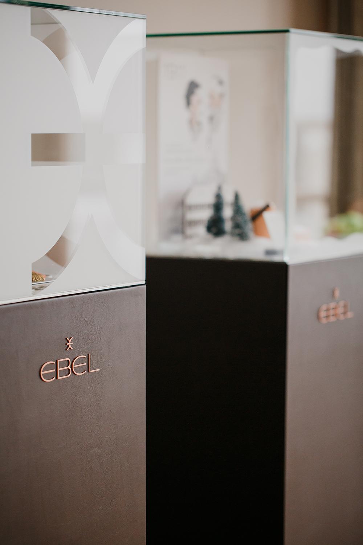 2I7B9450-sophie-narses-photographe-annecy-haute-savoie-book-shooting-portrait-geneve-entreprise-suisse-corporate-bijoux-montres-ebel-photo-créateur-beauté-luxe
